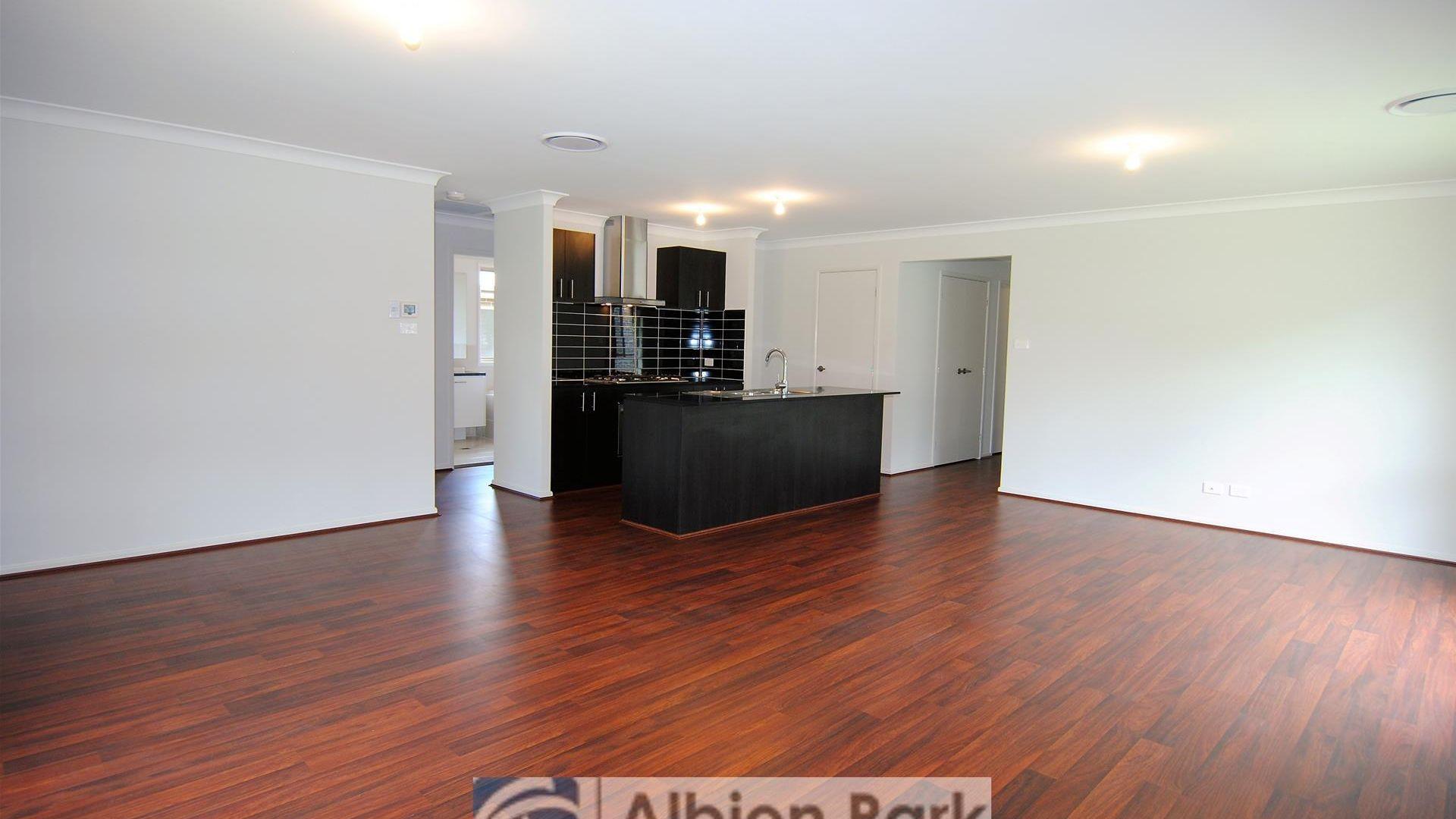 32 Bartlett Crescent, Calderwood NSW 2527, Image 1