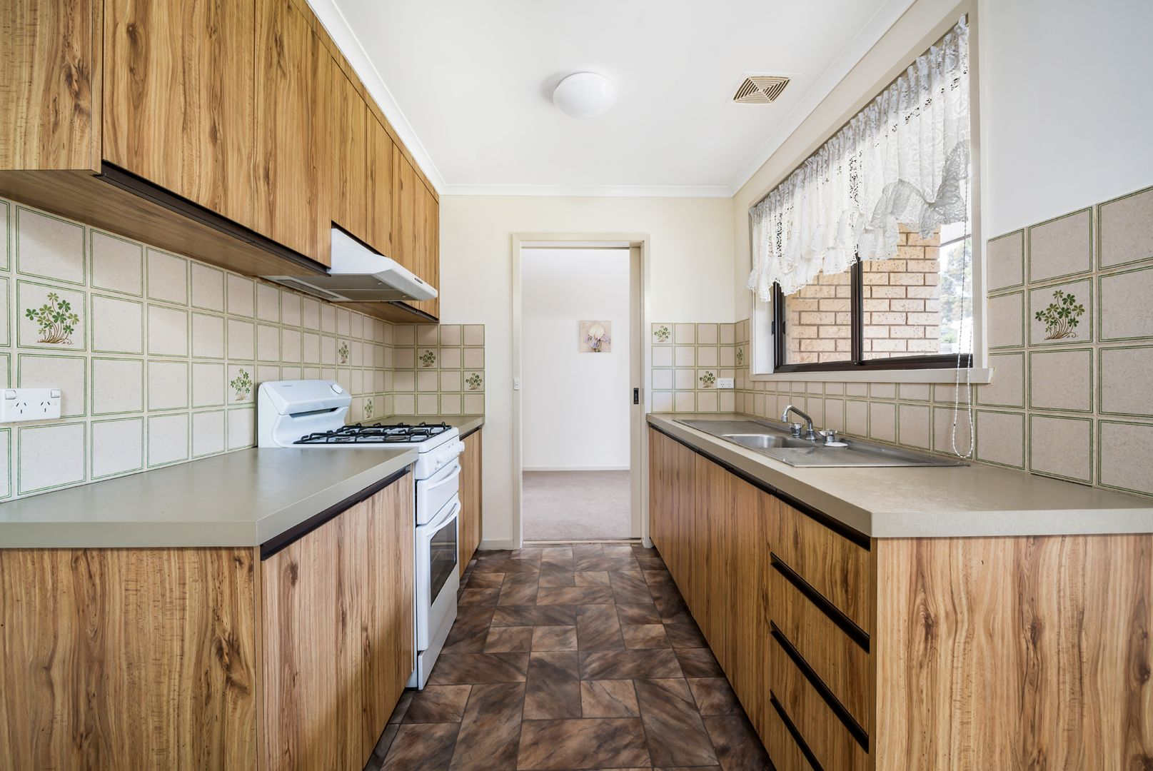 43 Donovan  Drive, Wangaratta VIC 3677, Image 1