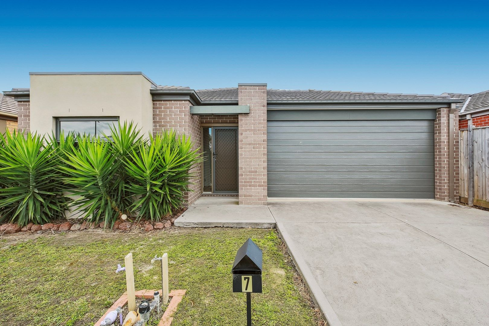 7 Heathfield Lane, Officer VIC 3809, Image 0