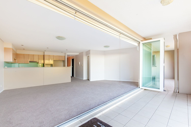 11/75-79 Oaks Avenue, Dee Why NSW 2099, Image 0
