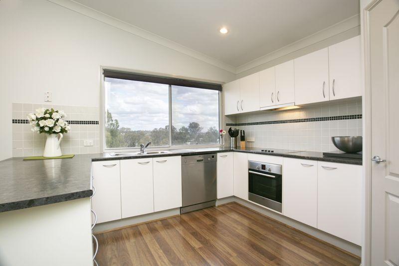 42 Copmanhurst Place, SUMNER QLD 4074, Image 0