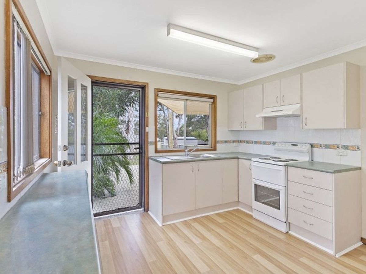 3 Asquith Avenue, Windermere Park NSW 2264, Image 1