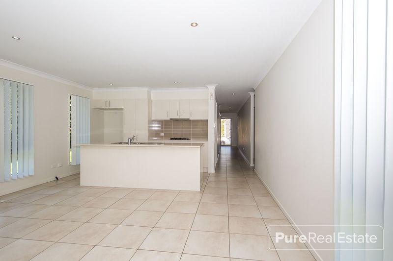 36 Knightsbridge Drive, Chuwar QLD 4306, Image 2