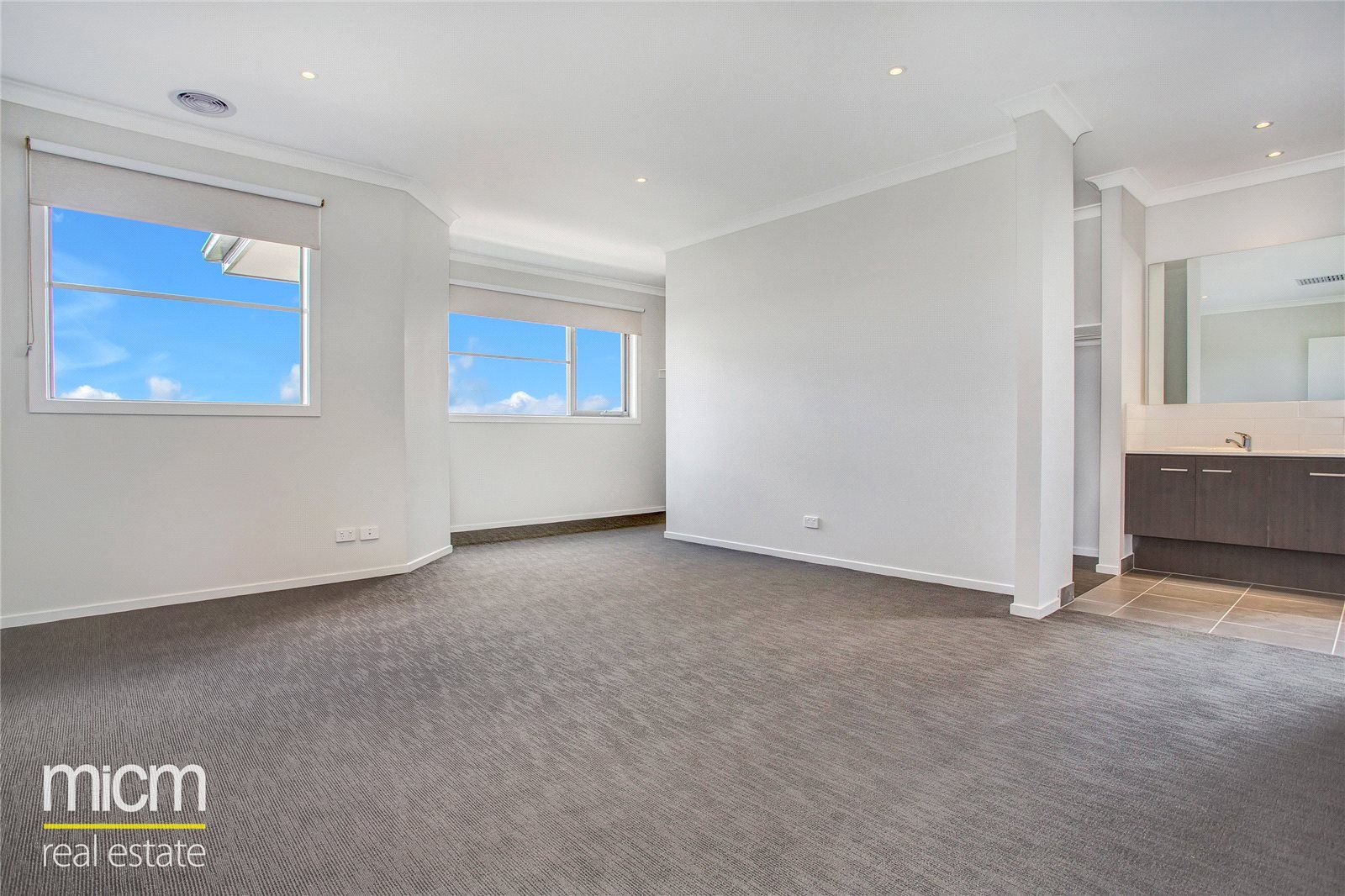 102 Middleton Drive, Point Cook VIC 3030, Image 2
