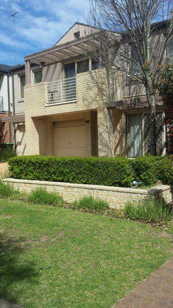 33 Phoenix Avenue, Beaumont Hills NSW 2155, Image 0