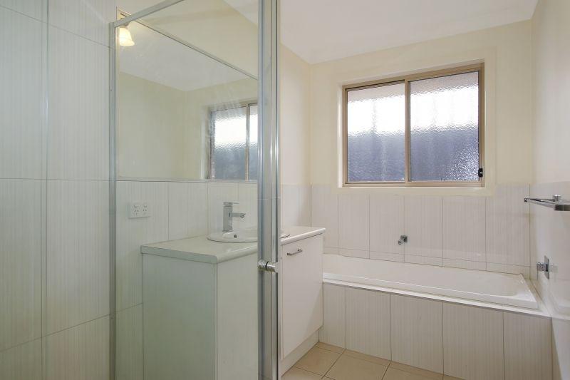 2/510 Cossor Street, Albury NSW 2640, Image 2