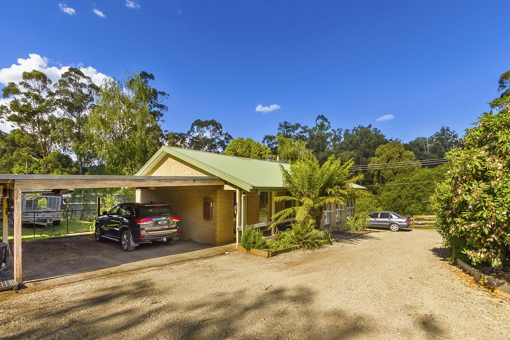 2 Stringybark Road, Cockatoo VIC 3781, Image 0
