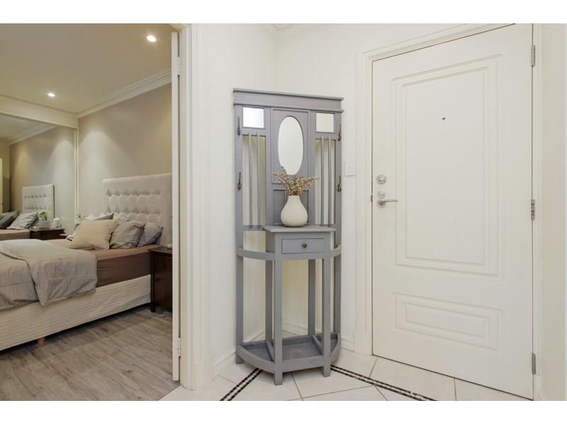 305/9 Victoria Avenue, Perth WA 6000, Image 2