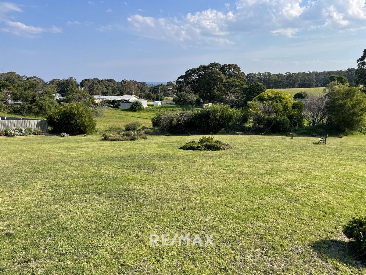 12 Tower Hill Court, Kalimna VIC 3909, Image 2