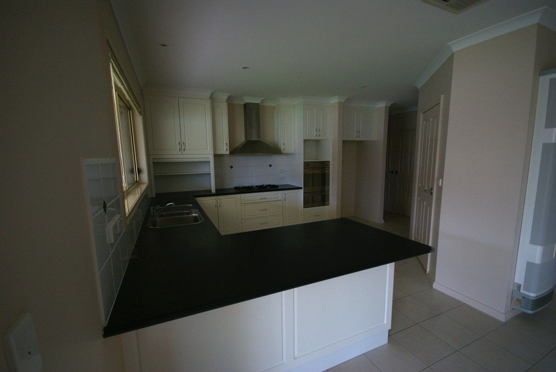 9 Birkdale Terrace, Wodonga VIC 3690, Image 2