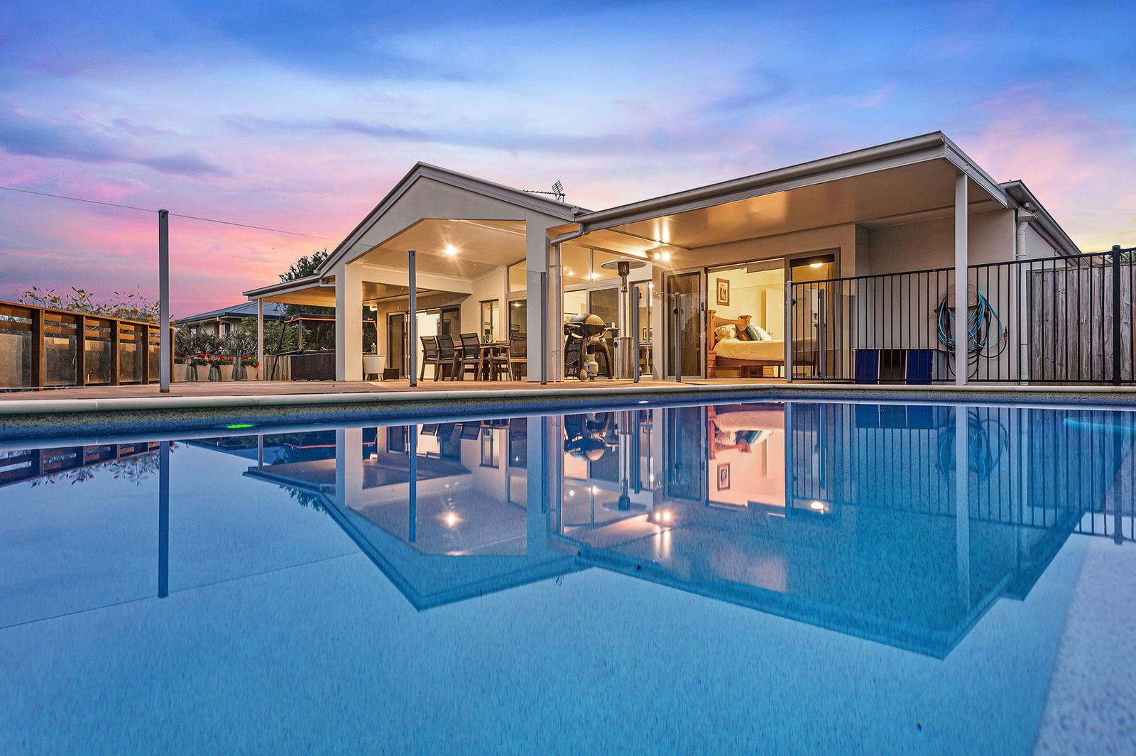 2 Huxley Court, Pacific Pines QLD 4211, Image 0