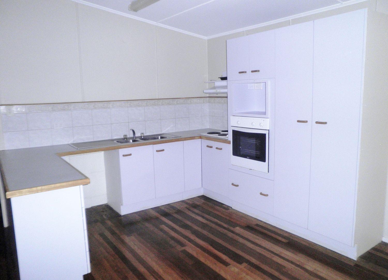 8 Ewan Street, Margate QLD 4019, Image 2