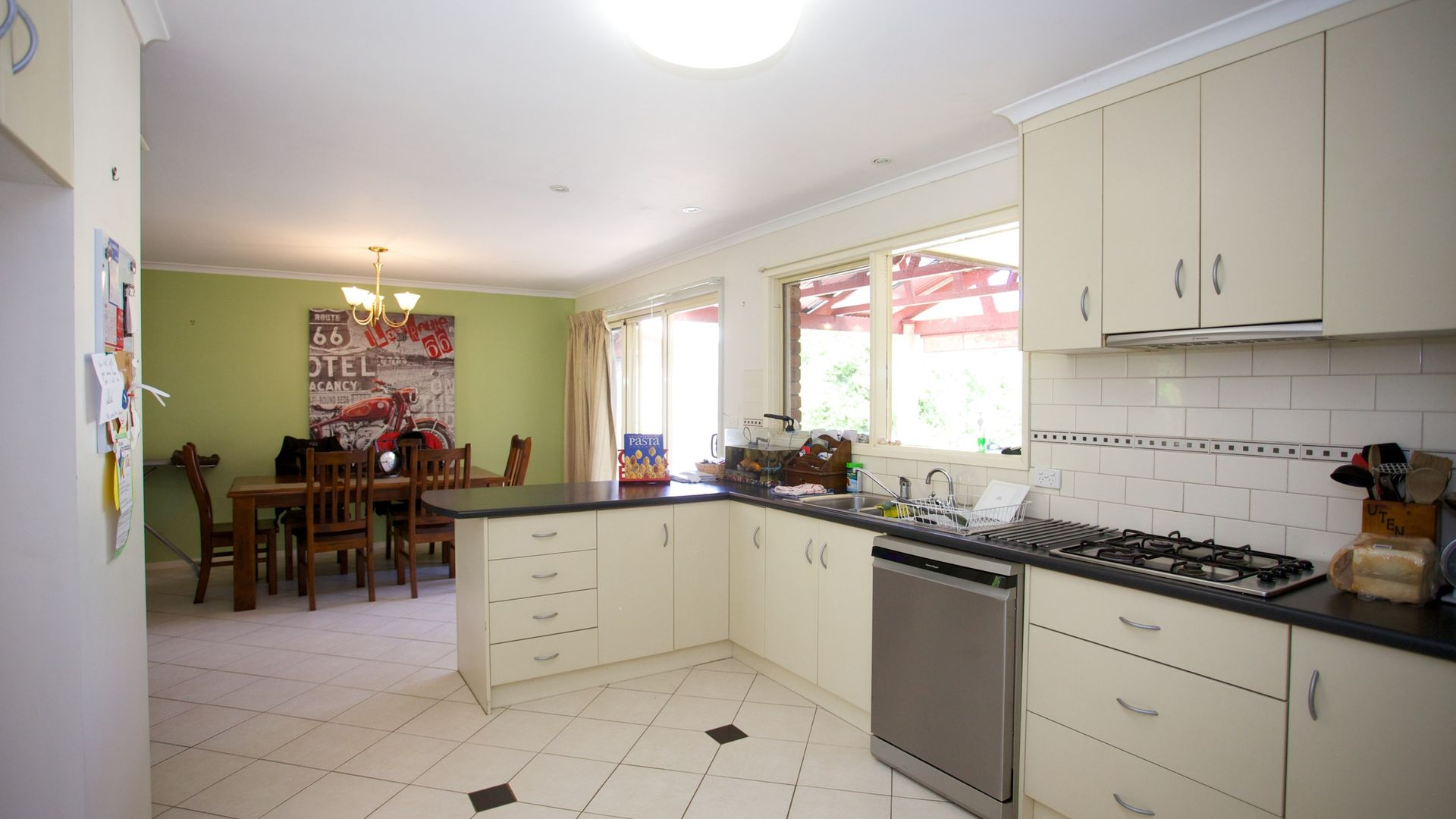 29 Churchill Road, Horsham VIC 3400, Image 2