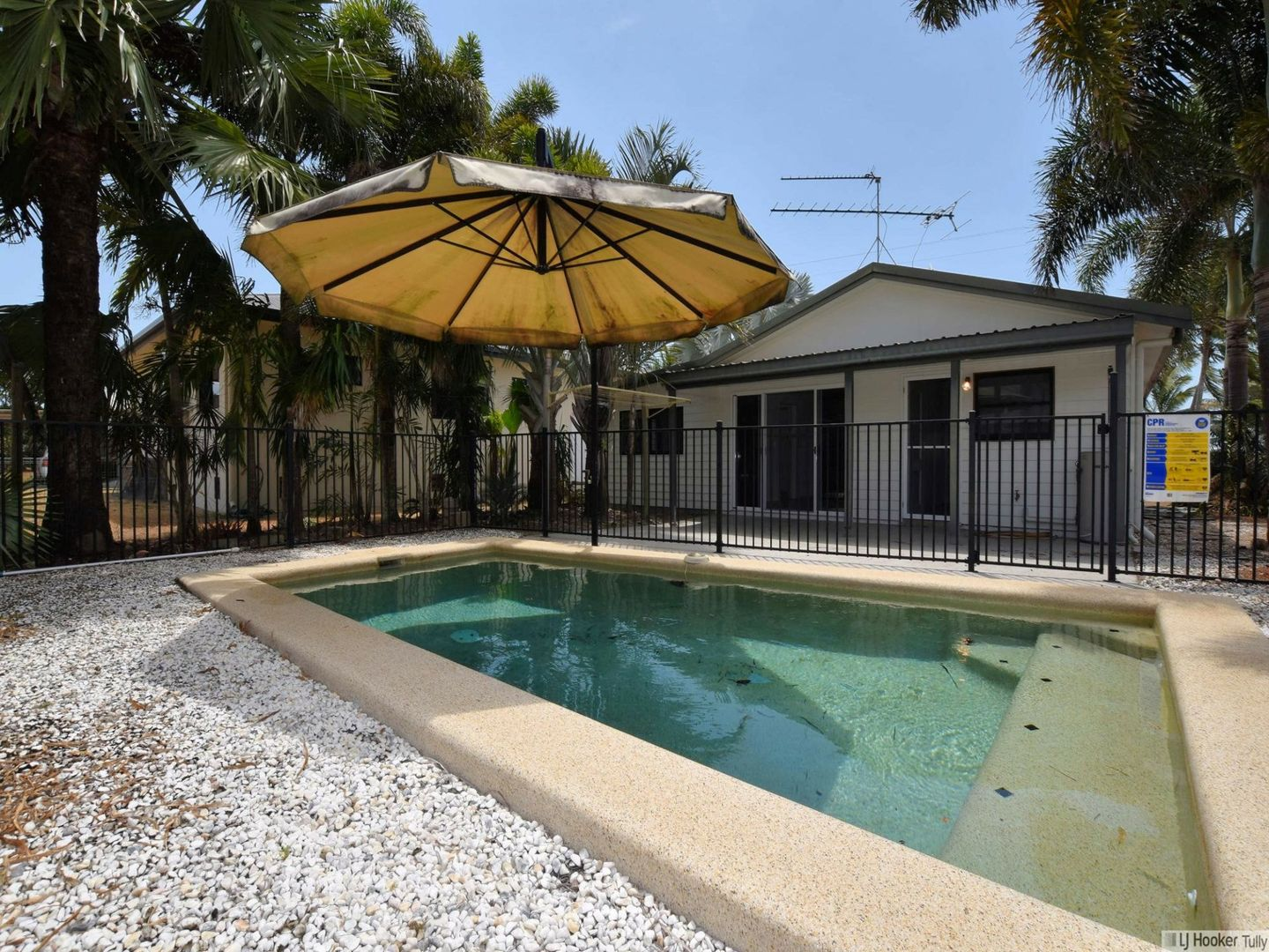 27 Taylor Street, Tully Heads QLD 4854, Image 1