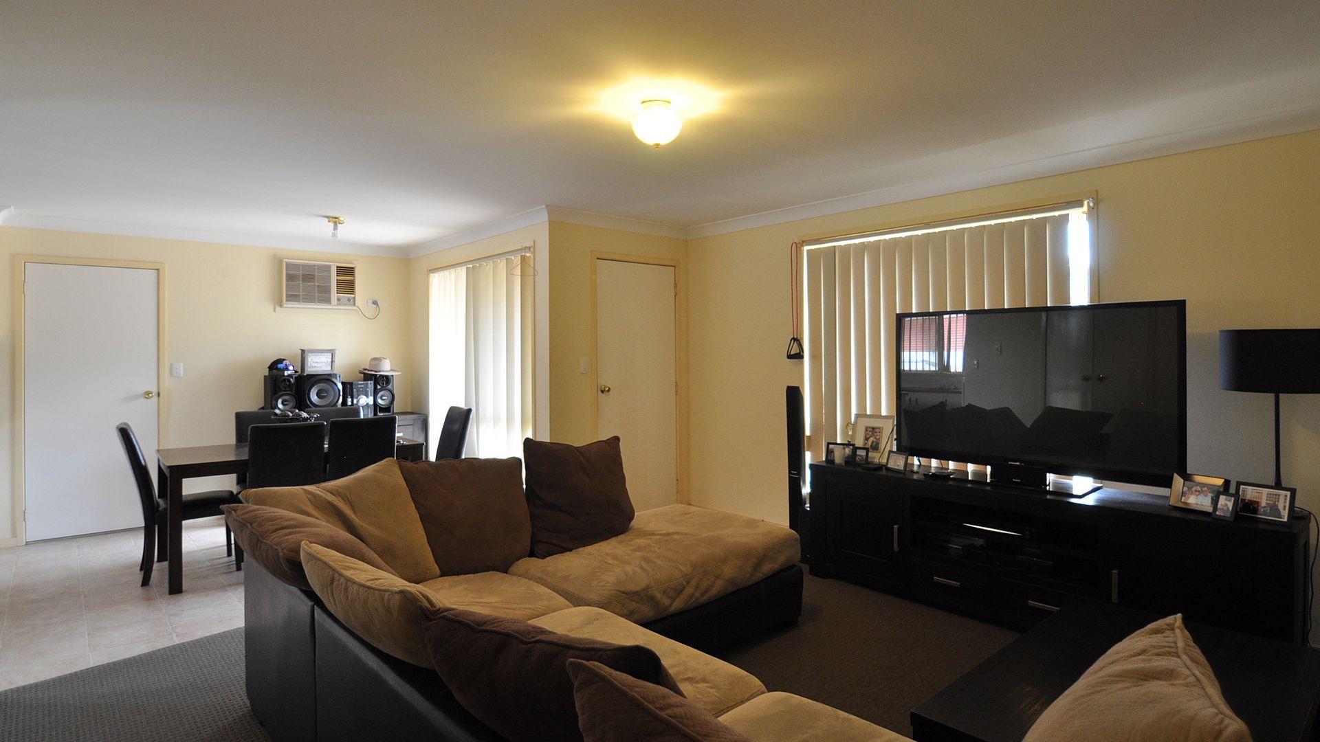 6 Vaughan Street, Junee NSW 2663, Image 2