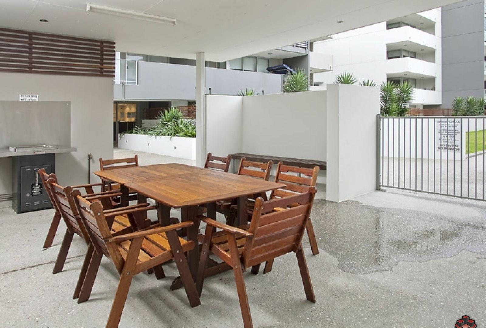 24 Allwood Street, Indooroopilly QLD 4068, Image 2