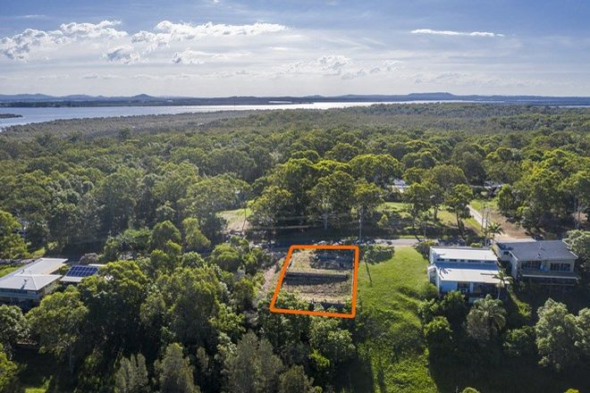 Picture of 60 Crescent Dr, RUSSELL ISLAND QLD 4184