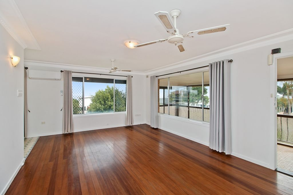 25 Walter Crescent, Banora Point NSW 2486, Image 2
