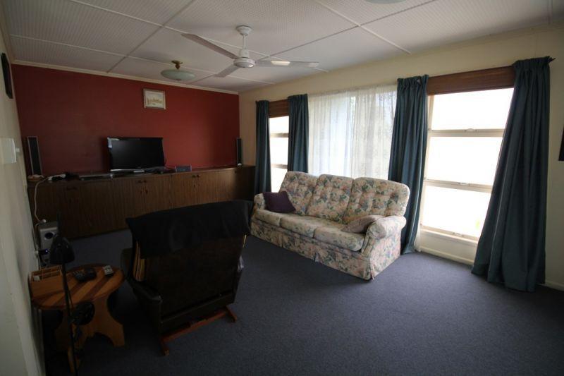 16 Smyth Street, Murgon QLD 4605, Image 2