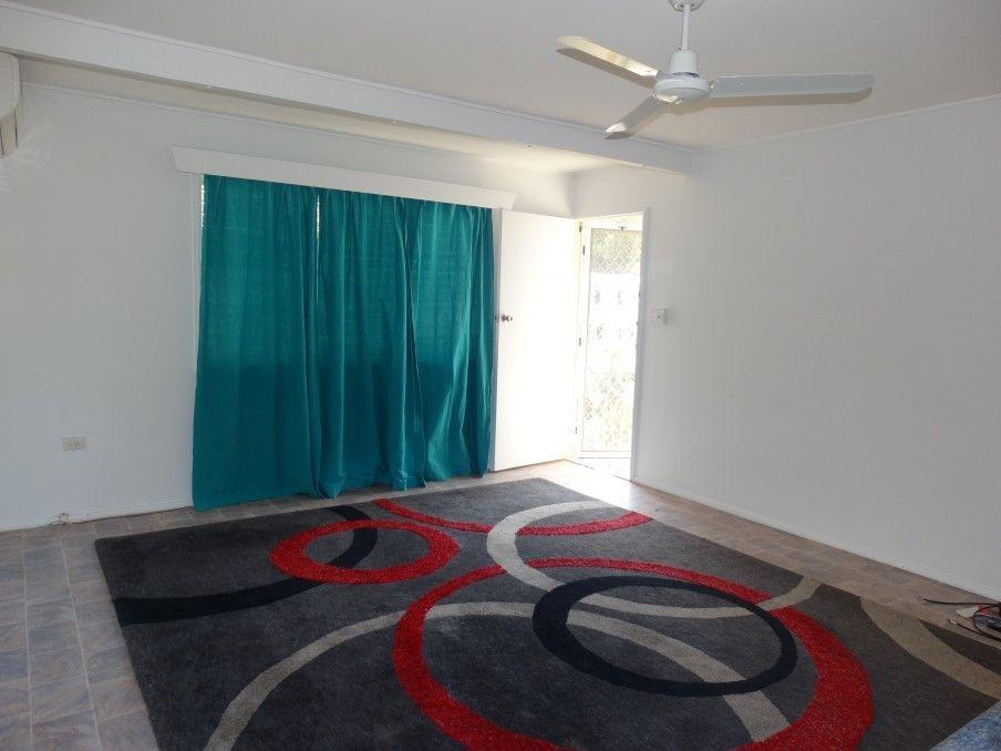 Unit 1/14 Fraser Ave, Cranbrook QLD 4814, Image 2