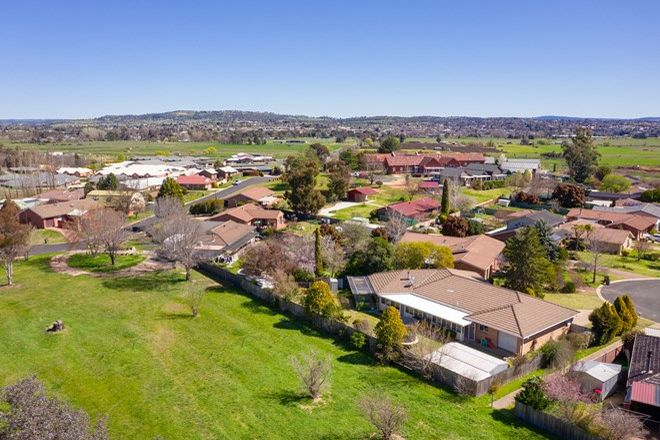 Picture of 33 Camidge Close, KELSO NSW 2795