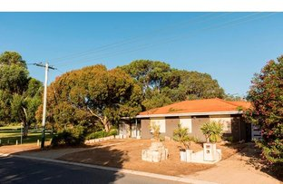 Picture of 6 Meadow Place, Quinns Rocks WA 6030