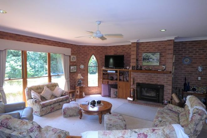 Picture of 5958 Great Alpine Rd, EUROBIN VIC 3739