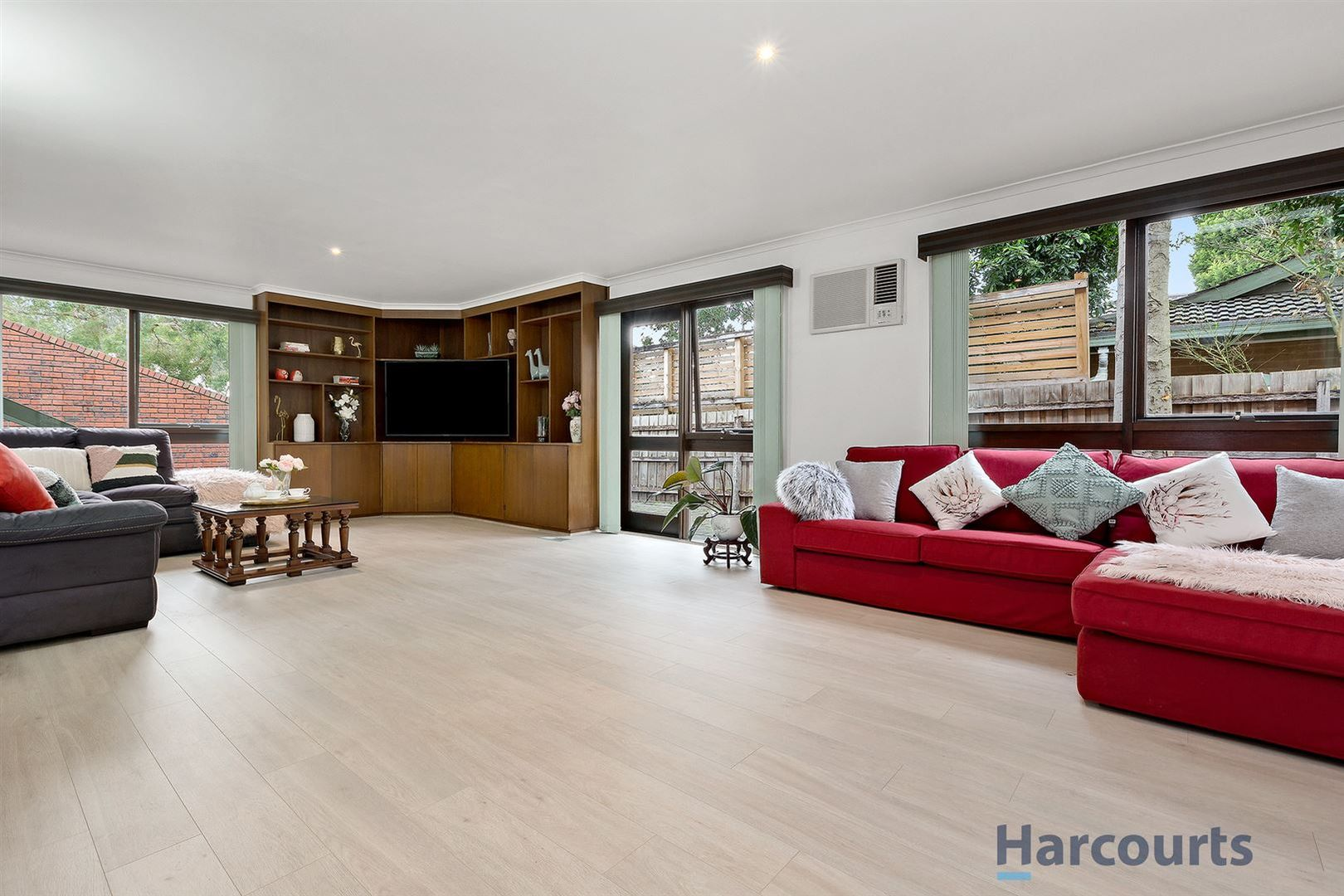 20 Loretta Avenue, Wheelers Hill VIC 3150, Image 2