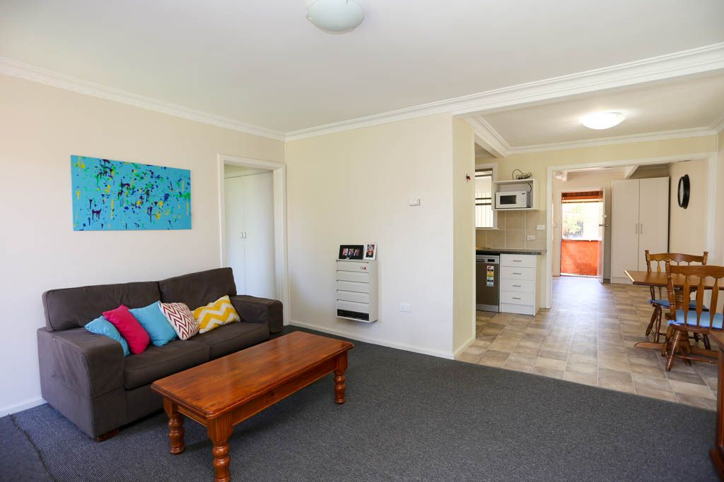4 Raglan Street, South Bathurst NSW 2795, Image 2