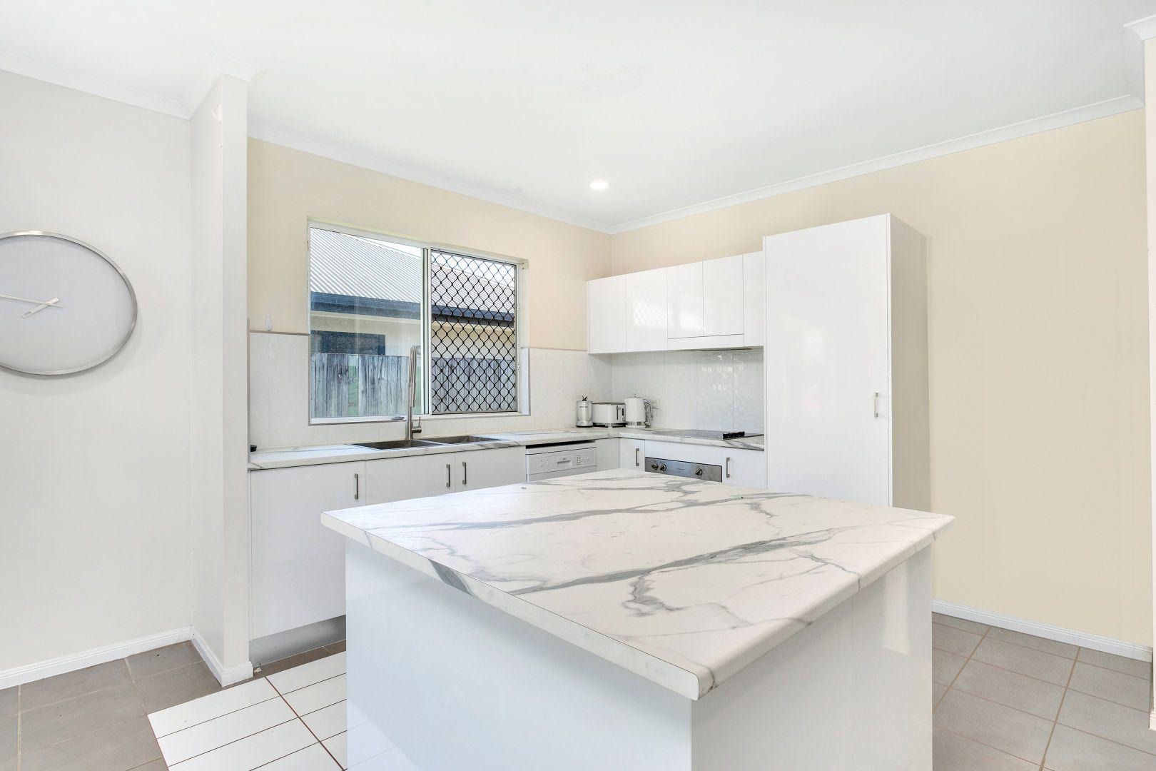 16 Hetherton Street, Smithfield QLD 4878, Image 2