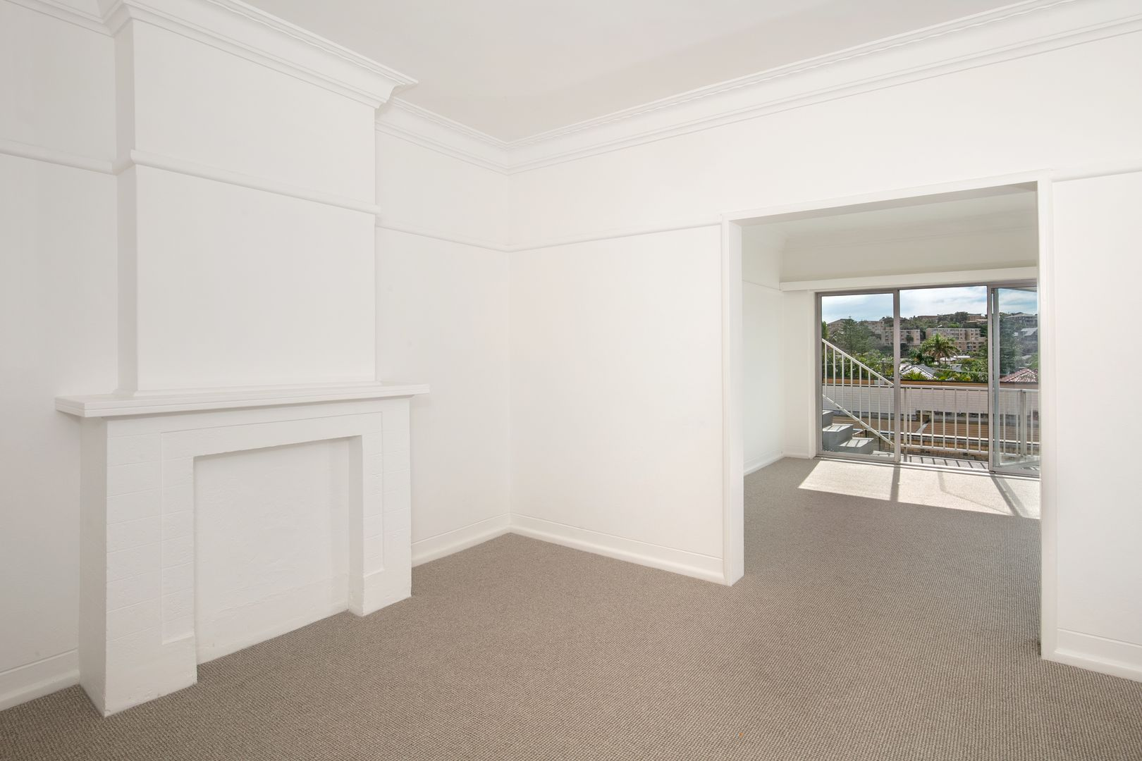 1/64 Undercliff Road, Freshwater NSW 2096, Image 2