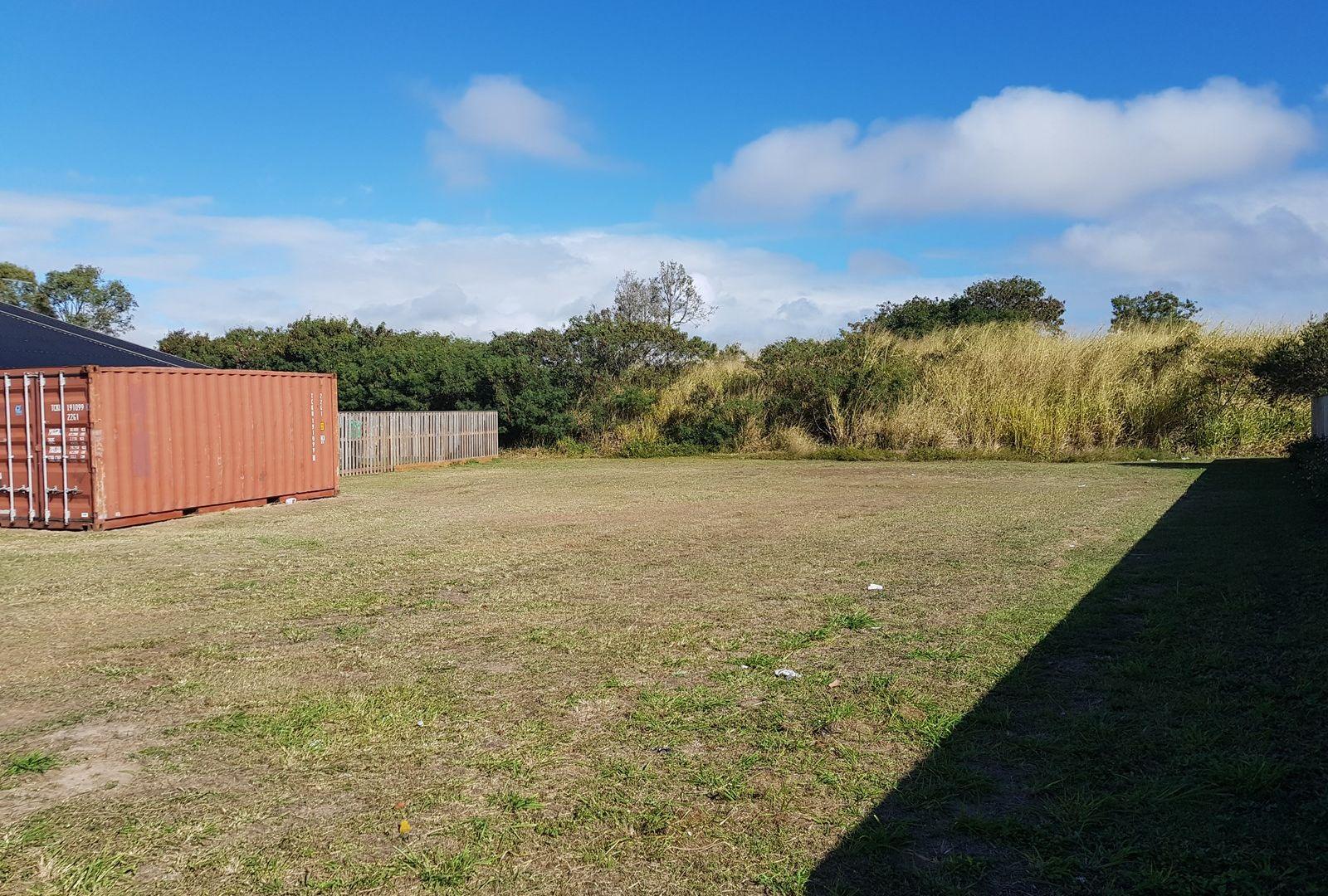 12 Whitehaven Drive, Blacks Beach QLD 4740, Image 2