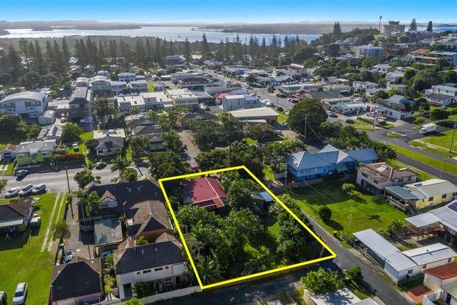 Picture of 14 Beach Street, YAMBA NSW 2464