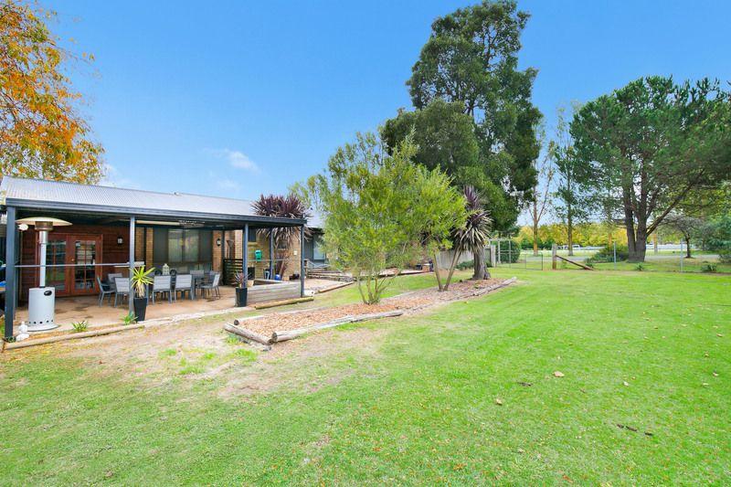 32 Manse Street, Guyra NSW 2365, Image 2