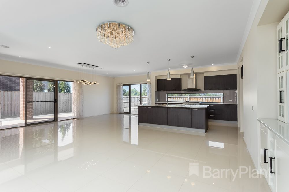2 Grassland Drive, Point Cook VIC 3030, Image 2