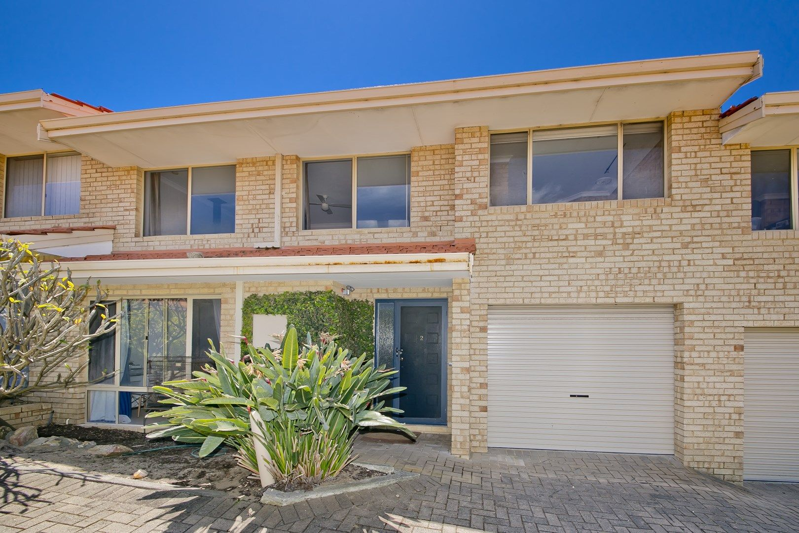 2/17 Wheatcroft Street, Scarborough WA 6019, Image 1