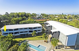 Picture of 1/39-43 Scenic Highway, Cooee Bay QLD 4703