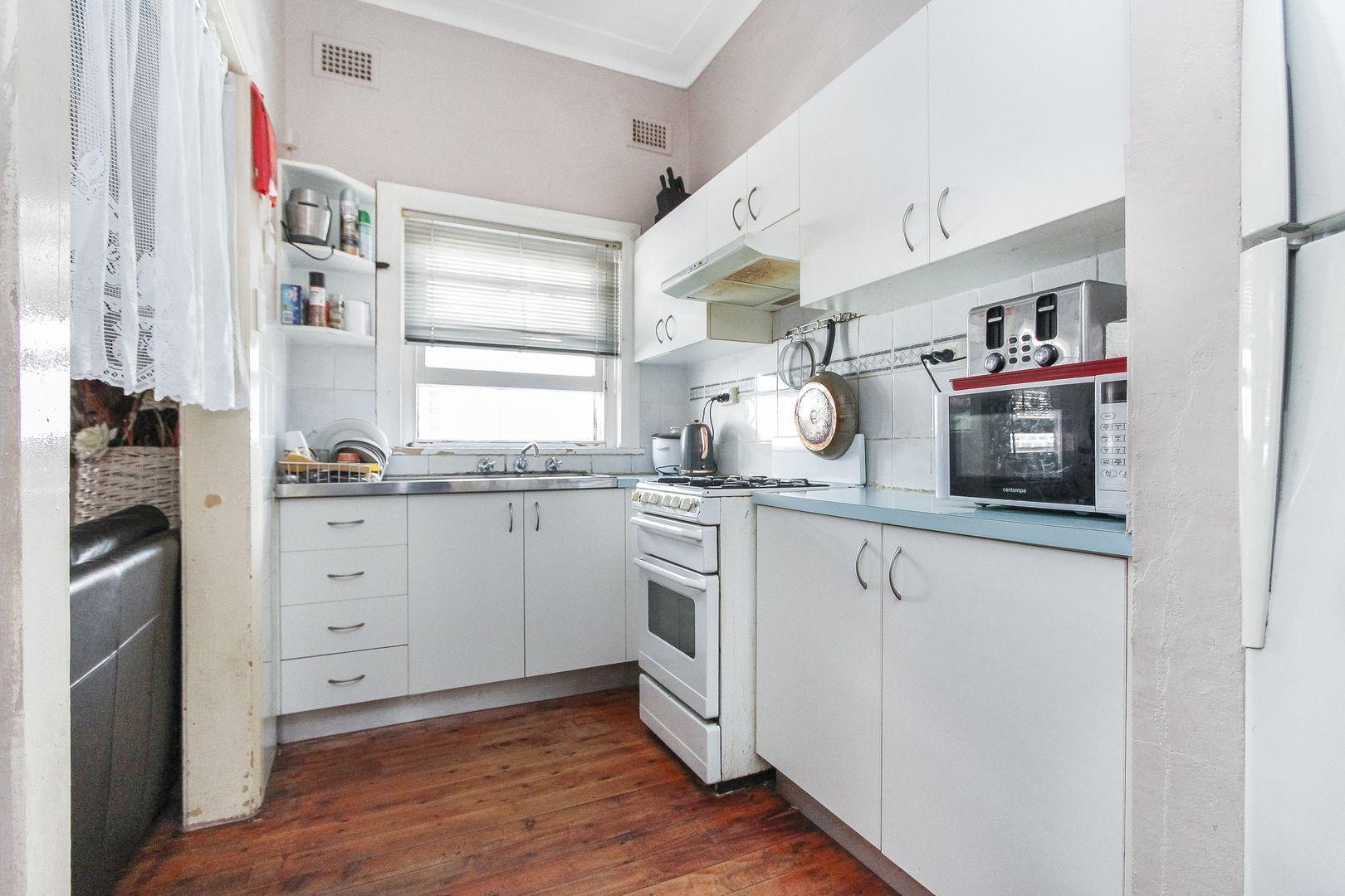 30 Lynesta Avenue, Bexley North NSW 2207, Image 2
