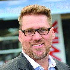 Wes McGregor, Sales representative