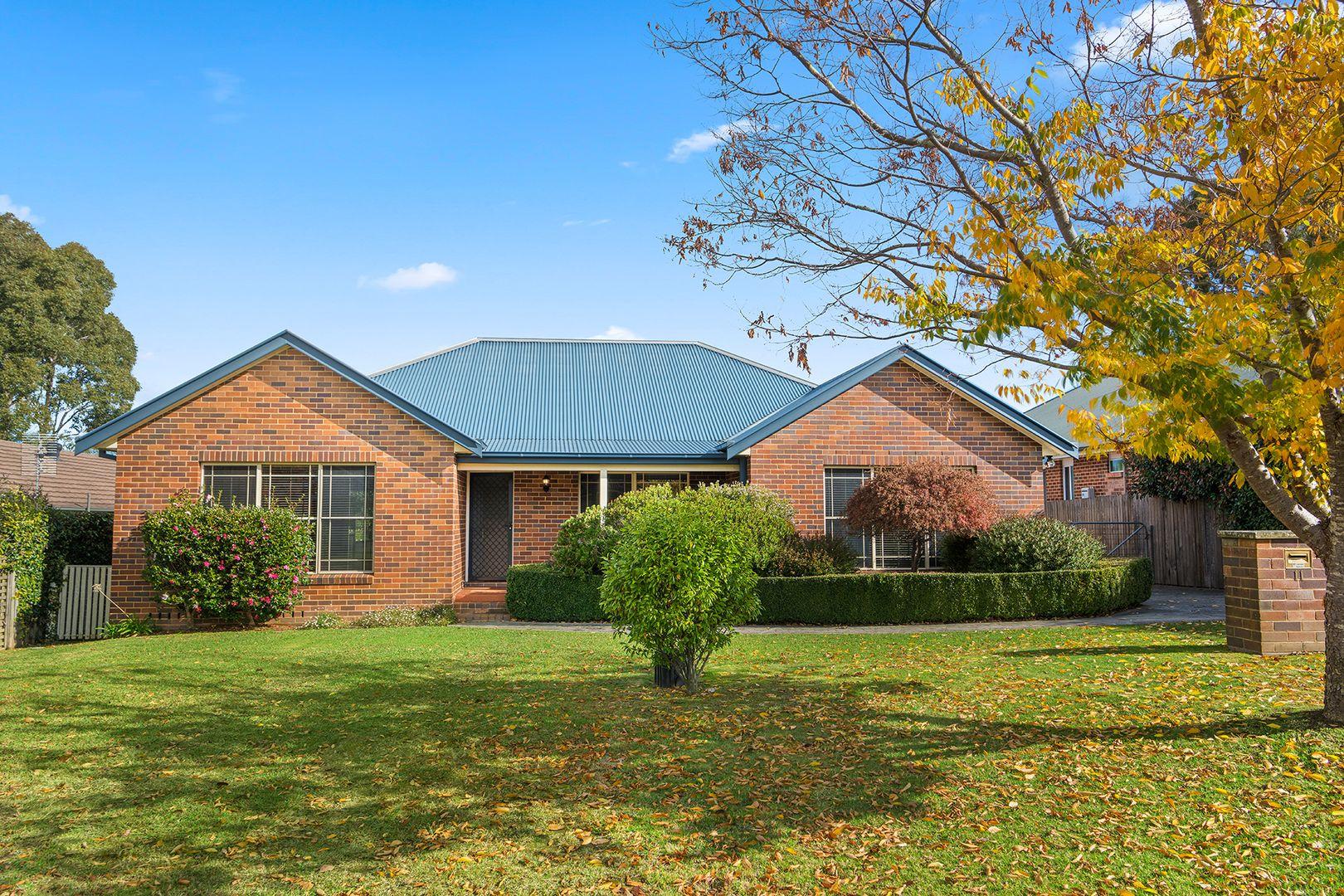 11 Lilac Avenue, Bowral NSW 2576, Image 0