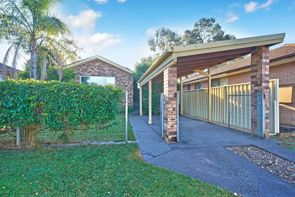 27 Euphrates Place, Kearns NSW 2558, Image 0