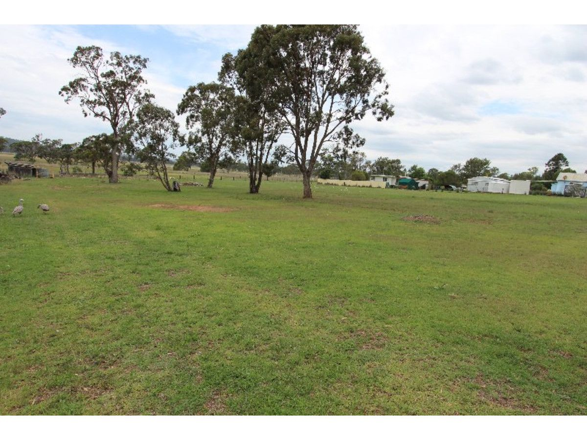 98 White Street, Pratten QLD 4370, Image 1