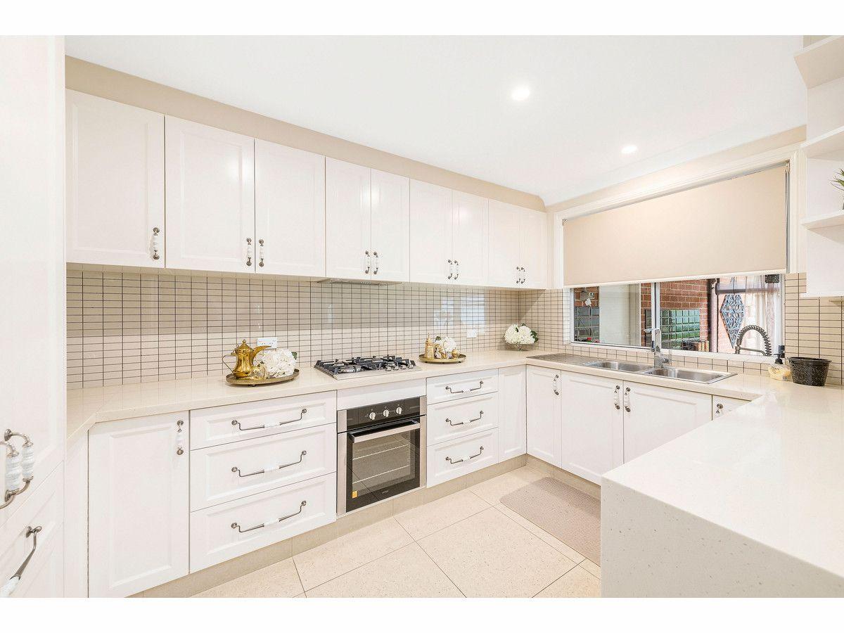 13 Lockhart Court, Harrington Park NSW 2567, Image 2