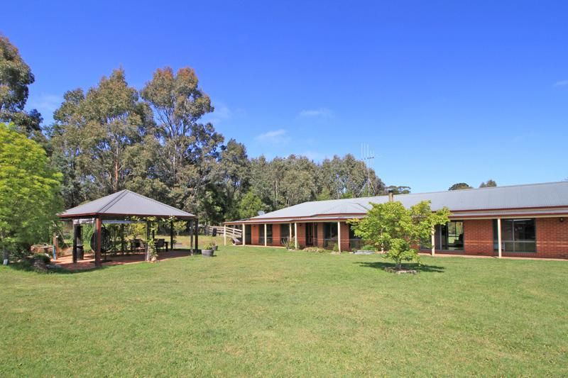 8 Forest Street, Trentham VIC 3458, Image 0
