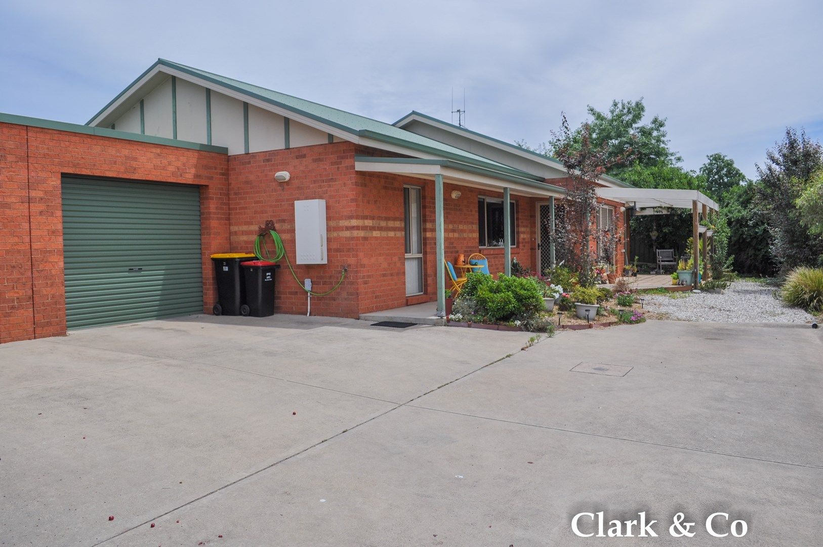 2/37 Somerset Crescent, Mansfield VIC 3722, Image 0