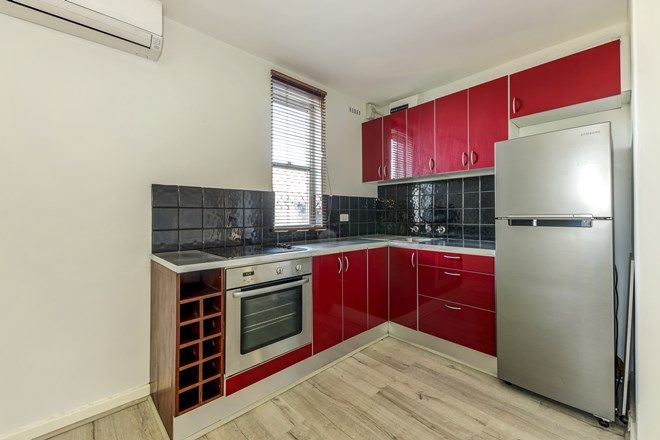 Picture of 2/227 Scarborough Beach Road, DOUBLEVIEW WA 6018