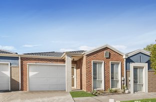 Picture of 11/17 Crestmont Drive, Melton South VIC 3338