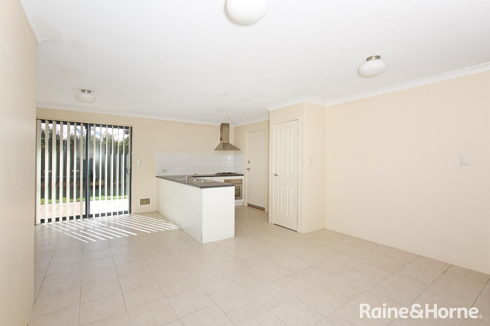 11 Golden Grove, Coodanup WA 6210, Image 2