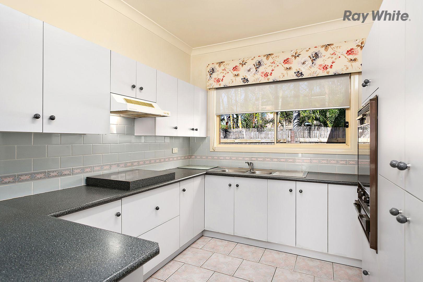 2/37 Griffiths Street, Oak Flats NSW 2529, Image 1