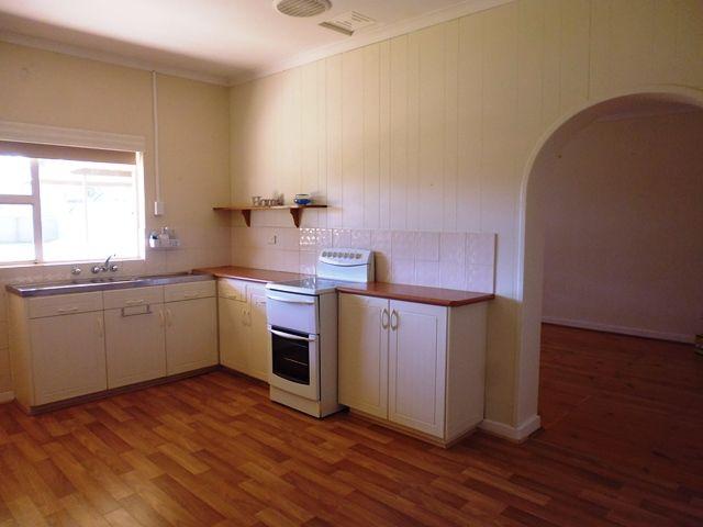 8 Darragh Street, Whyalla SA 5600, Image 2